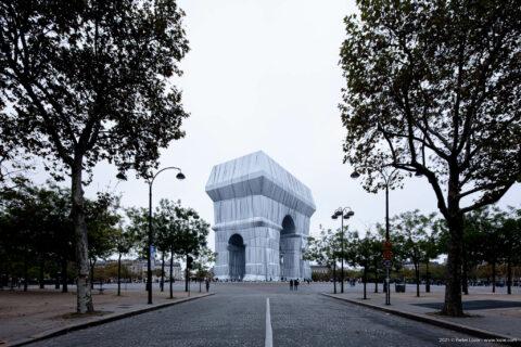 L'Arc de Triomphe Wrapped 2021 – Christo and Jeanne-Claude, Paris, France